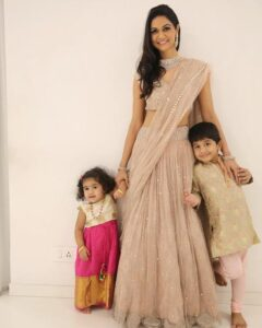 Sneha-Reddy-with-her-son-and-daughter