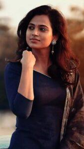 Ramya Pandian hot image