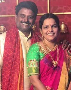 vaishnavi chaitanya family imagge